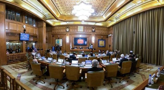 انصاری لاری انصراف داد؛ 6 گزینه برای شهرداری ماندند