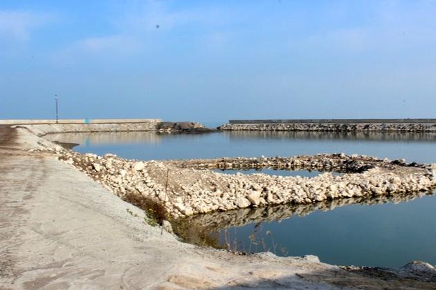 تخریب ۲ سازه غیرمجاز دریایی در سواحل استان مازندران