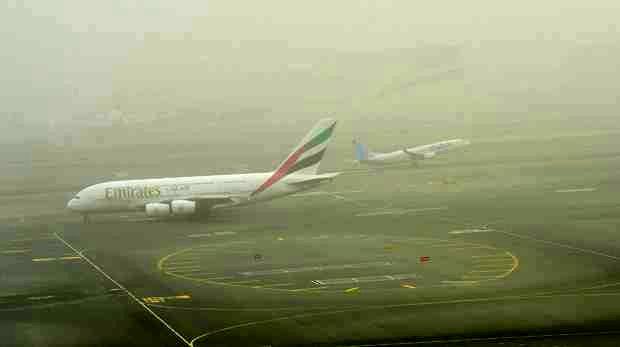 گردوغبار پرواز دبی-کیش را به تأخیر انداخت