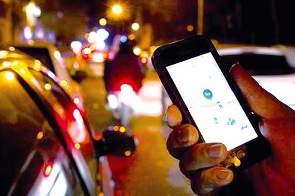 فعالیت گسترده تاکسیهای اینترنتی در حوزه برونشهری با وجود منع قانونی
