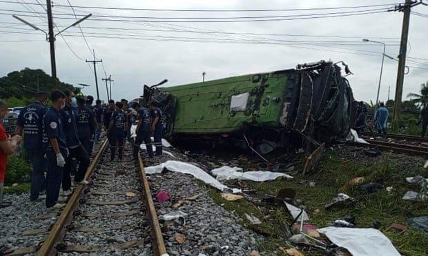 برخورد مرگبار قطار و اتوبوس در تایلند