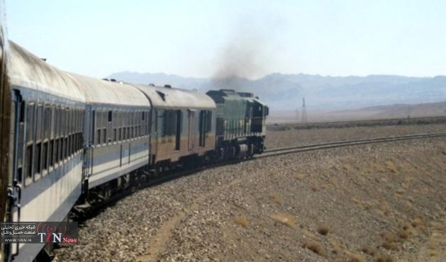 قطار مشهد - اراک به سیر خود ادامه داد
