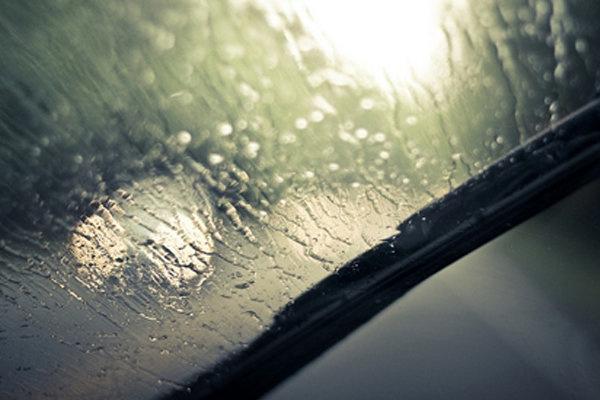 بارندگی جاده های خراسان رضوی را لغزنده کرد