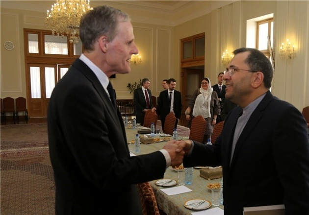 Iran, France Hold New Round of Political Negotiations