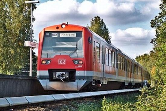 اولین سفر قطار تمام اتوماتیک جهان در آلمان