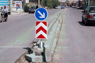 بیش از یک هزار علائم ایمنی در جاده های کرمانشاه نصب شد