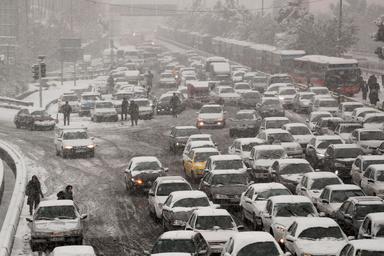 شهرداری تهران: ترافیک امروز بخاطر برف نیست