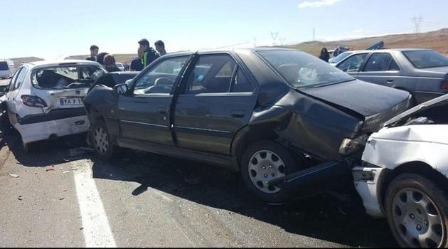 وقوع تصادف زنجیرهای در جاده چالوس