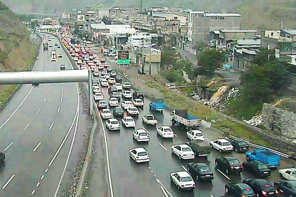 افزایش تردد خودرو در جادههای منتهی به تهران/ همه محورها باز است