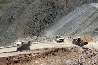 تکمیل عملیات شش بانده کردن محور مهران - پایانه مرزی در سال جاری