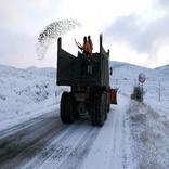 بازگشایی راه 40 روستای مسدود شده بر اثر برف در چالدران