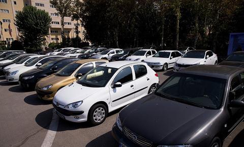 خودروهای لوکس توقیفی در تهران