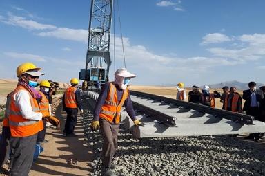 اجرای همه قطعههای پروژه راه آهن بوشهر-شیراز فعال میشود