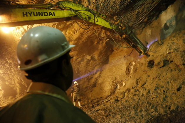 احداث طولانیترین تونل البرز تا پایان دولت