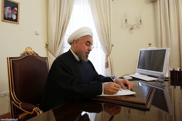 رییسجمهور حکم وزیر راه و شهرسازی را ابلاغ کرد