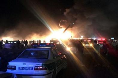 21 کشته در تصادف اتوبوس و تانکر سوخت؛ اینبار حوالی نطنز