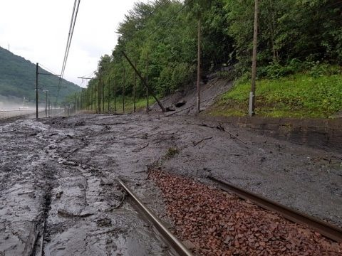 Many trains cancelled, some rerouted between France and Italy