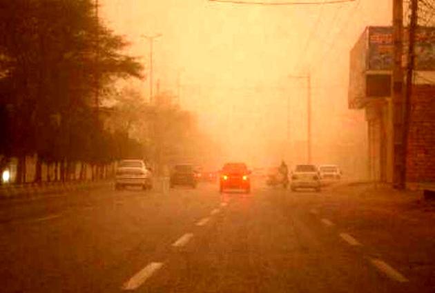 طوفان شن در کرمان ادامه دارد