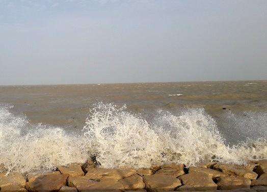 وضعیت هوای امروز/ دریای عمان مواج است