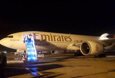 فرود هواپیمای سازمان بهداشت جهانی در فرودگاه امام