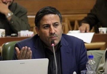سالاری خواستار توقف قراردادهای مبهم شهرداری شد