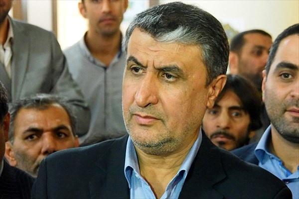 وزیر راه و شهرسازی وارد فرودگاه کرمانشاه شد