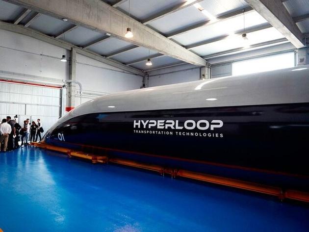 """اولین جابجایی مسافر با """"هایپرلوپ"""" انجام شد"""