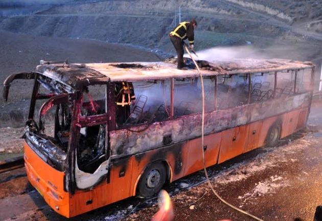 حریق اتوبوس با 43 مسافر در خراسان رضوی