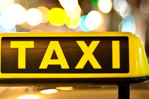 فعالیت تاکسیهای اینترنتی در بندرعباس غیرقانونی است