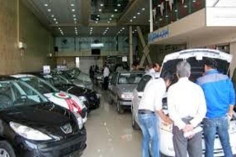 مراجعات گسترده مردم به نمایندگی خودروسازان / فعلا کسی خریدار نیست