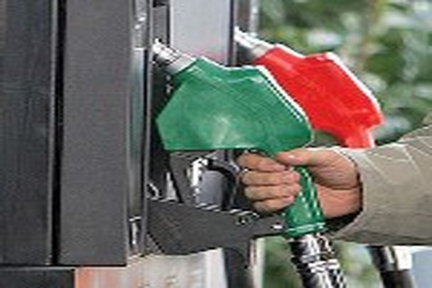 سهمیه بندی منطقه ای بنزین با هدف مقابله با قاچاق سوخت اجرا می شود