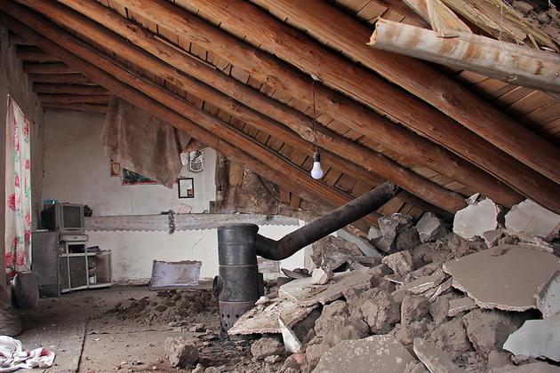 بازسازی مسکن مددجویان مناطق زلزلهزده خراسان شمالی آغاز شد