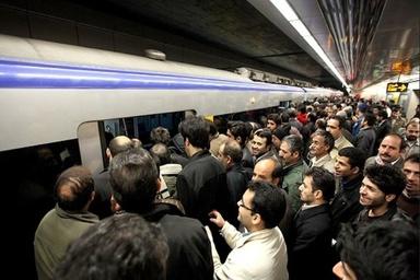 مدیریت بهینه زمان توقف قطارهای مترو با کمک کارکنان ایستگاهها