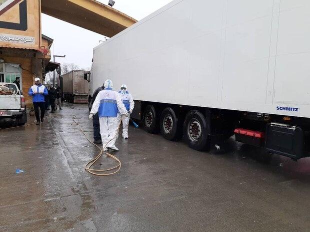 گندزدایی و ضدعفونی کامیونها در پایانه های مرزی