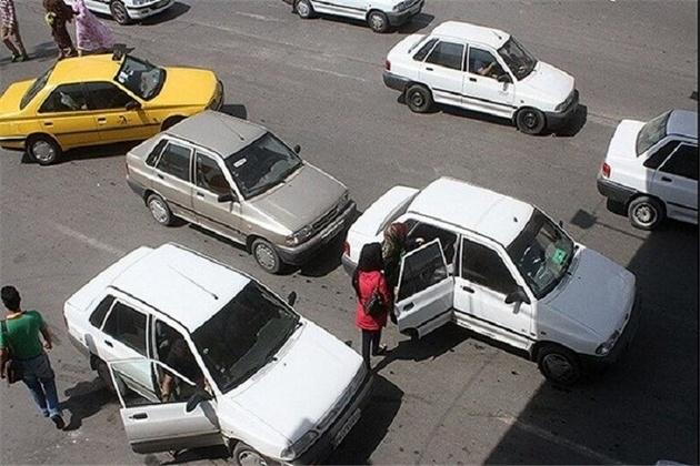 تاکسی تلفنیهای شهری آستارا فاقد پروانه کسب هستند