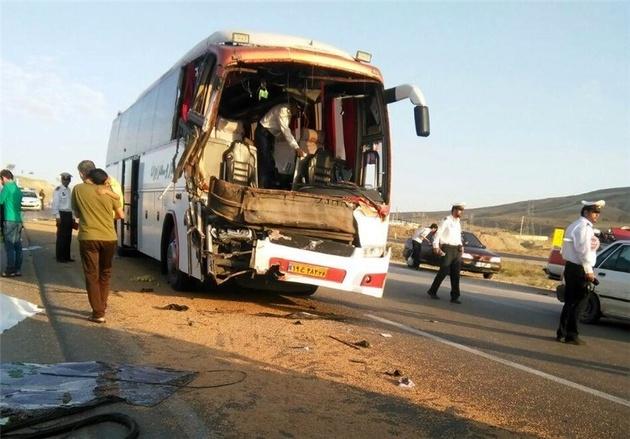 تصادف دو اتوبوس در کرمانشاه 7 کشته برجا گذاشت