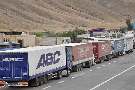 فیلم| سرقت از کامیونها در مرز دوغارون