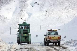 گزارش تصویری تلاش راهداران استان زنجان برای بازگشایی محورهای مسدود روستایی