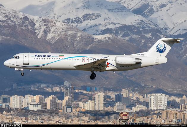 حادثه جدی برای هواپیمای فوکر 100 شرکت آسمان+عکس