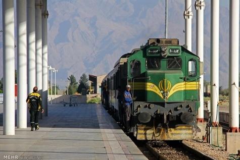اعزام قطارهای کنترل مسیر به مناطق زلزله / تردد قطارها مختل نشد