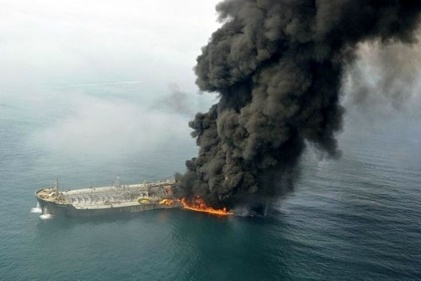 چه کسی نفتکش ها را منفجر می کند؟