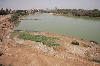 انتقال آب از خوزستان به بندر بصره صحت ندارد