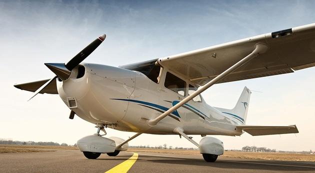 مربی خلبانی از هوش رفت؛  کارآموز هواپیما را فرود آورد