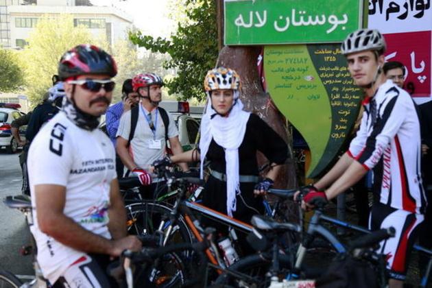 توسعه دوچرخهسواری بانوان و چالشهای فرارو