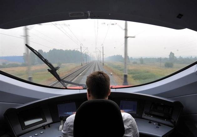 ساخت خط آهن سریع السیر بین مسکو و سن پترزبورگ در سال ۲۰۲۱ آغاز میشود