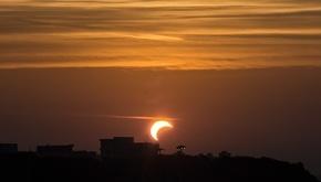 تصاویر منتخب رسانه ها از خورشید گرفتگی در سراسر کشور