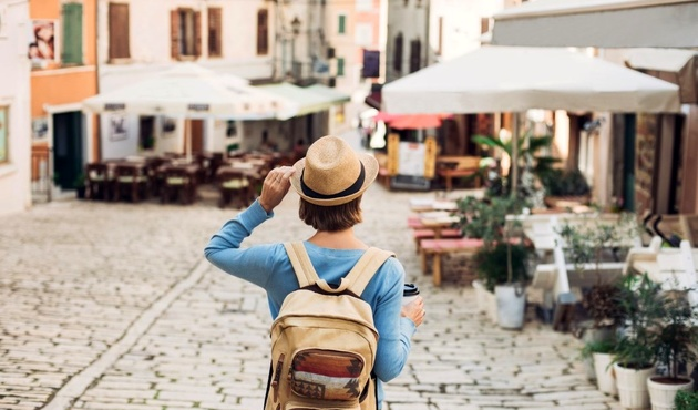 INTL TOURIST ARRIVALS IN FRANCE INCREASED BY 6.3%