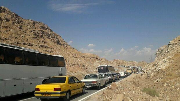 ترافیک سنگین و پرحجم در محور ایلام- مهران