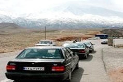 جاده کارخانه سیمان مند دشتی حادثه خیز است / لزوم تعریض و بهبود وضعیت جاده دسترسی