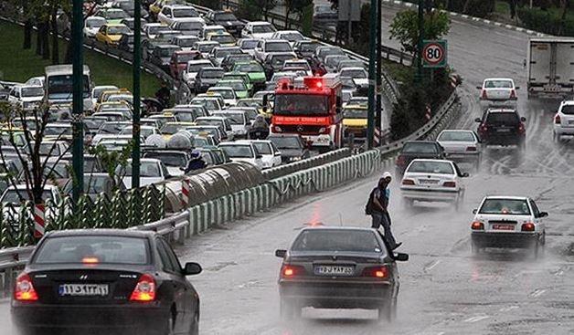 ترافیک سنگین در ۱۳ معبر بزرگراهی پایتخت